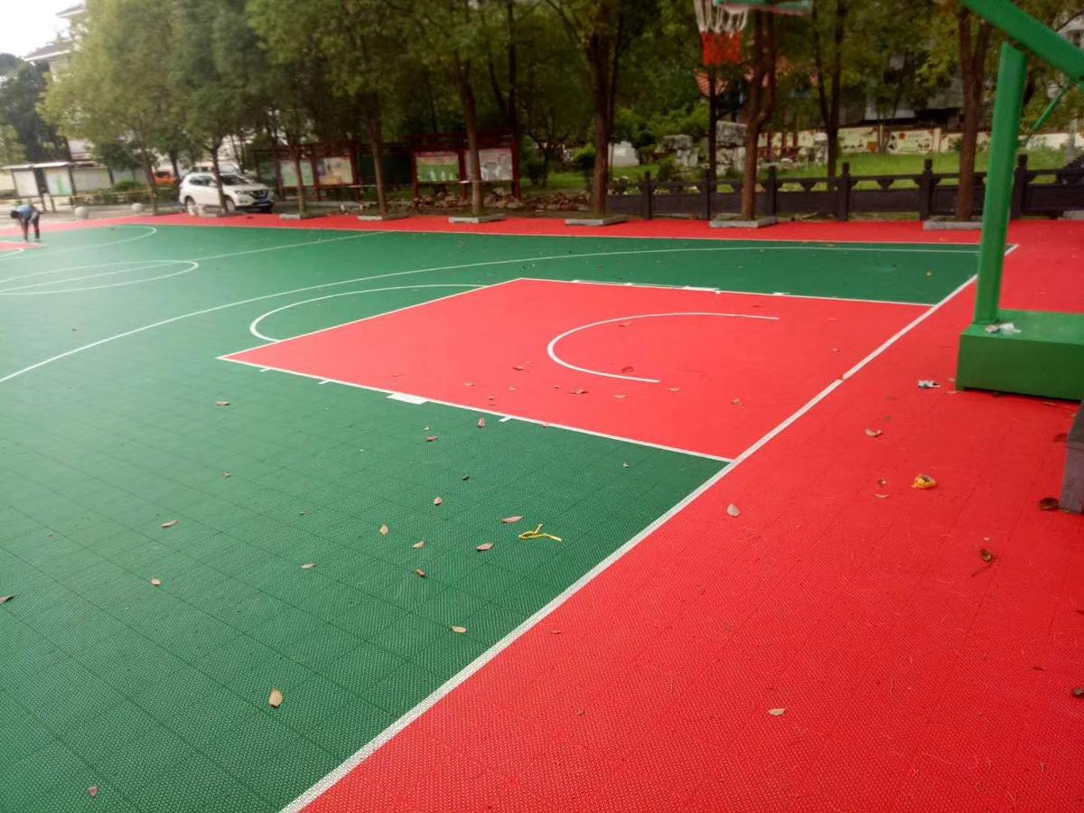 河南某公园拼装地板